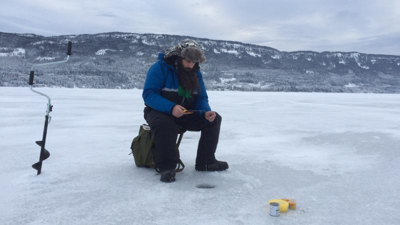 Ice Cold Fishing - Test av isbor og pilk
